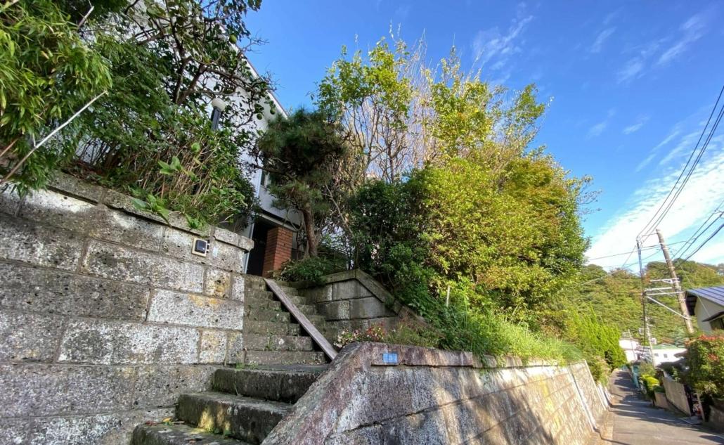 Stairs to house in Jomyoji