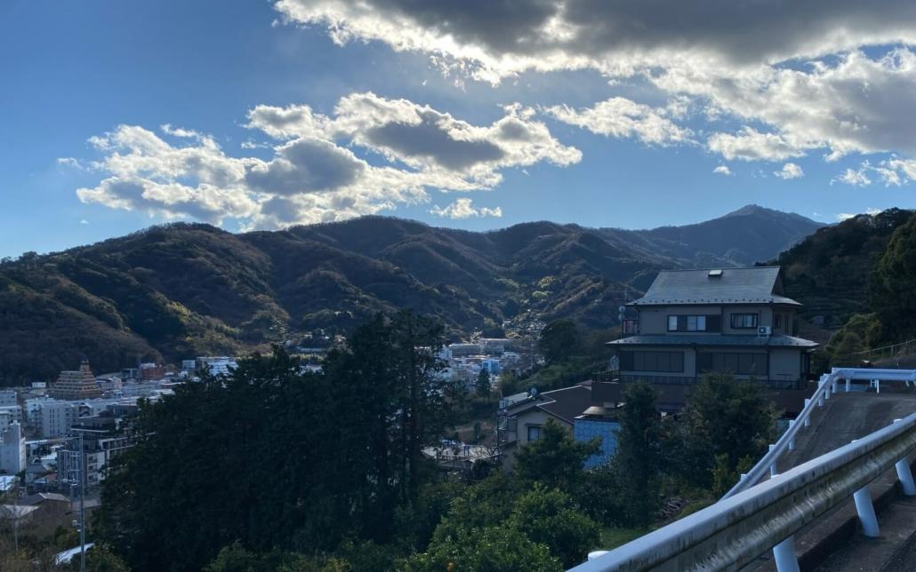 Yugawara Cliff house